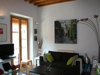 Bright Granada Apartment rental with Internet Access - Granada vacation rentals