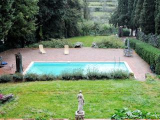 Villa Sargiano B&B Suite Familiare G. Monaco - - Arezzo vacation rentals