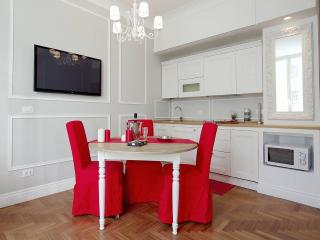 Luxury Suite near colosseum - Rome vacation rentals