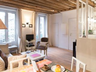 Marais Central - Charming rue Bretagne 1 bedroom apartment - Paris vacation rentals