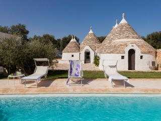 Beautiful Trullo with Internet Access and A/C - Macchia di Monte vacation rentals