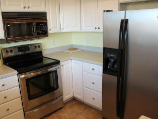Large 2 Bedroom / 2 Bath Condo on Ground Floor - Green Valley Access Included! Private Wifi. - Saint George vacation rentals