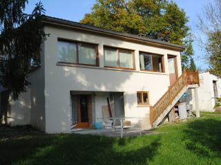 4 bedroom House with Internet Access in Orly-sur-Morin - Orly-sur-Morin vacation rentals