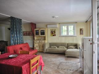 Villa Sargiano B&B - Chalet la Casetta nel Bosco - - Arezzo vacation rentals