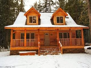 Glacier Springs Cabin #89 - Cedar and Log Cabin! Sleeps 4 - close to skiing and hiking at Mt. Baker! - Glacier vacation rentals