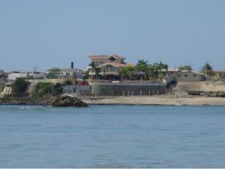 4 bedroom House with Internet Access in Ayangue - Ayangue vacation rentals