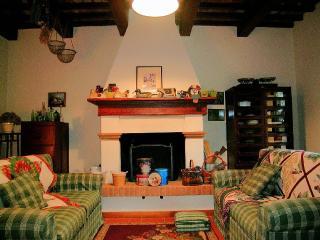 SIGNOROTTO + GUASCONE your tuscan accomodations - Palaia vacation rentals
