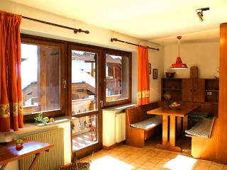 Nice Apartment with Internet Access and Television - Mazzin vacation rentals
