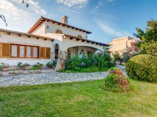 Perfect Chalet with Internet Access and A/C - Playa de Muro vacation rentals