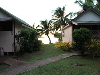 Romantic Bungalow with Internet Access and Long Term Rentals Allowed - Titikaveka vacation rentals
