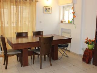 6/7 guests in Rehavia - Jerusalem vacation rentals