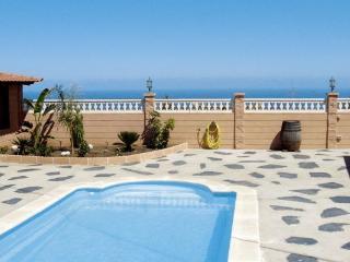 Nice 2 bedroom Chalet in Arafo with Internet Access - Arafo vacation rentals