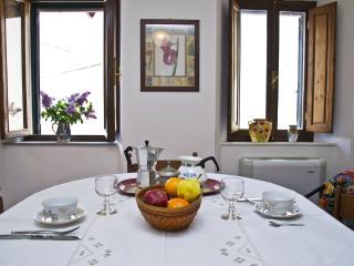 Tuscany House near Bagni di Lucca - Bagni Di Lucca vacation rentals