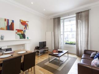 POSH!!! 2 Bed - Hyde Park **FREE WIFI + APPLE TV** - London vacation rentals