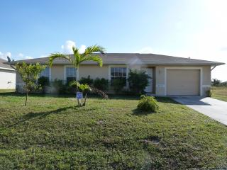 Villa Susan - cozy home in central location, beautiful furnished! - Cape Coral vacation rentals