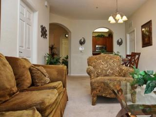VC3C4114BD-203 Beautiful 3 Bedroom Condo in Vista Cay - Orlando vacation rentals