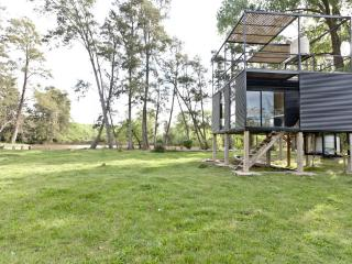Perfect Cabin with Deck and Cleaning Service - Tigre vacation rentals