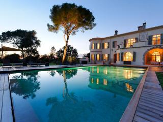 Large luxury villa on the French Riviera! - Saint Raphaël vacation rentals