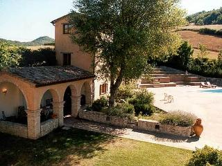 Torre di Sotto, Montone rental villa for 4 - Montone vacation rentals