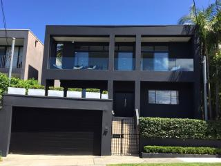 Convenient 4 bedroom House in Vaucluse - Vaucluse vacation rentals