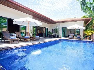 Villa Ploi Jantra - 5 Bed - Huge Holiday Home with Staff - Kata vacation rentals
