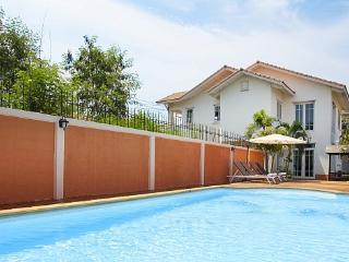 Jomtien Seaboard Villa - Jomtien Beach vacation rentals
