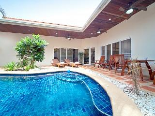 2 bed pool villa in central location - Bang Lamung vacation rentals