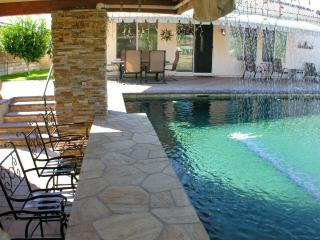 Atlantis Resort Style Pool Swim-up Bar!! 3/2 + Den - La Quinta vacation rentals