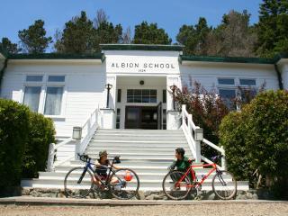 THE ALBION SCHOOLHOUSE perfect getaway, ocean view - Mendocino vacation rentals