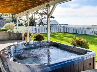 Renovated oceanfront home w/private hot tub & amazing views! - Seaside vacation rentals