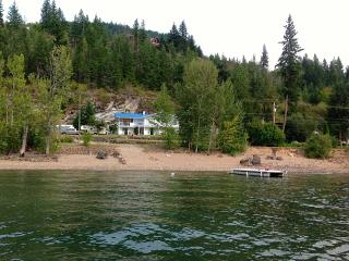 Semi-Lakefront , Sleeps 16 Plus guests ALL the t - Blind Bay vacation rentals