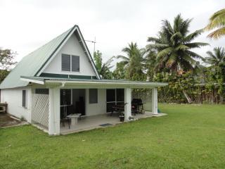 2 bedroom House with Internet Access in Arorangi - Arorangi vacation rentals