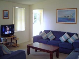 Lovely 3 bedroom House in Mollymook - Mollymook vacation rentals