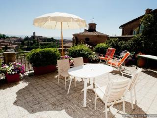 Il Palazzino Siena apartment rental in the heart of town, apartment to let Siena, Tuscan apartment to rent - Ponte a Bozzone vacation rentals