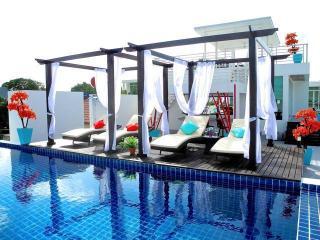Comfortable and big property in beautiful Nai Harn - Nai Harn vacation rentals