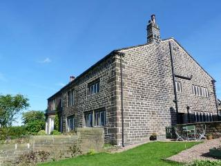 ELMET FARMHOUSE, stone-built, woodburner, stylish accommodation, near Hebden Bridge, Ref 918960 - West Yorkshire vacation rentals