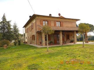 ENRICA'S HOUSE - Marciano Della Chiana vacation rentals
