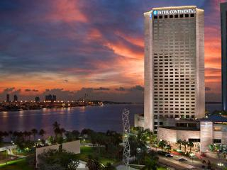 5 STAR STUNNING STUDIO + HOTEL AMENITIES -   40% OFF HOTEL PRICE NEARBY - Coconut Grove vacation rentals