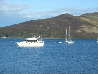 Perfect Cottage with Internet Access and Dishwasher - Lamlash vacation rentals