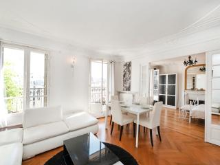 2 Bedrooms in the 1st - Paris vacation rentals