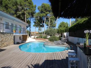 Villa Mercuri private pool and tennis court - Sitges vacation rentals