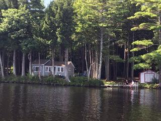 LAKEWOOD COTTAGE - Town of Searsmont - Quantabacook Lake - Lincolnville vacation rentals
