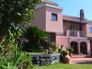 Bright 6 bedroom House in Santa Venerina with Internet Access - Santa Venerina vacation rentals