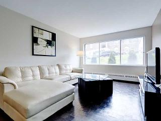 Top Location One Block From Crescent - Montreal vacation rentals