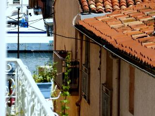 Comfortable 2 bedroom Apartment in Sete with Internet Access - Sete vacation rentals