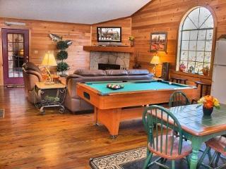 Cozy 2 bedroom Cabin in Helen - Helen vacation rentals