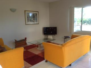 Fabulous 2 bedroom appartment close to everything - Darwin vacation rentals