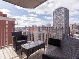 Cute and Comfy Downtown Apartment with Great View - Montreal vacation rentals