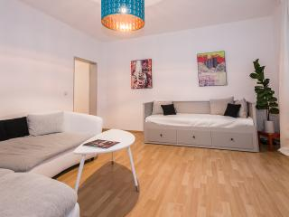Wonderfull 3Room Apartment at Pasinger Marienplatz - World vacation rentals