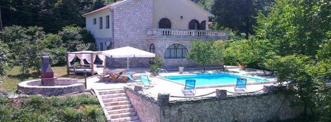 4 bedroom Villa with Internet Access in Morinj - Morinj vacation rentals
